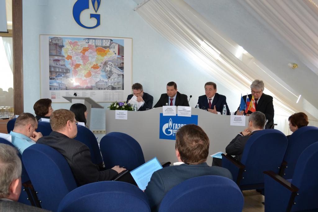 В ОАО «Газпром газораспределение Воронеж» прошло совещание с участием члена Совета Федерации Сергея Лукина