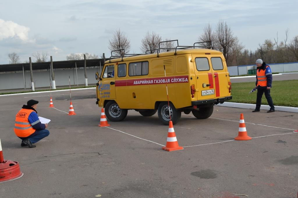 Воронежские газовики выбрали лучших водителей и экскаваторщиков.