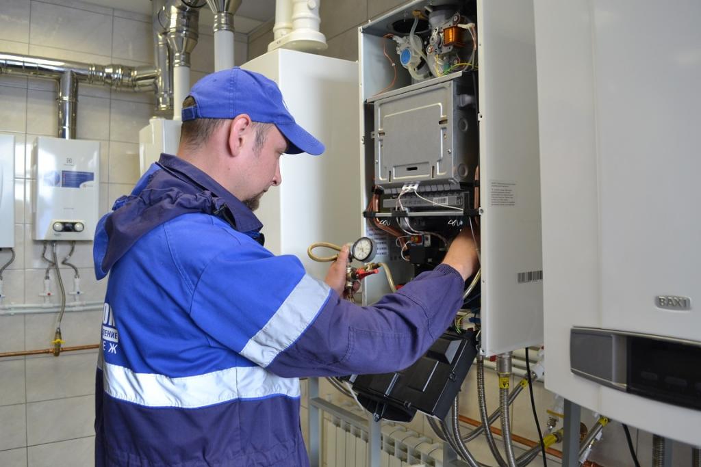 Лучший слесарь по обслуживанию внутридомового газового оборудования работает в Нововоронежском филиале